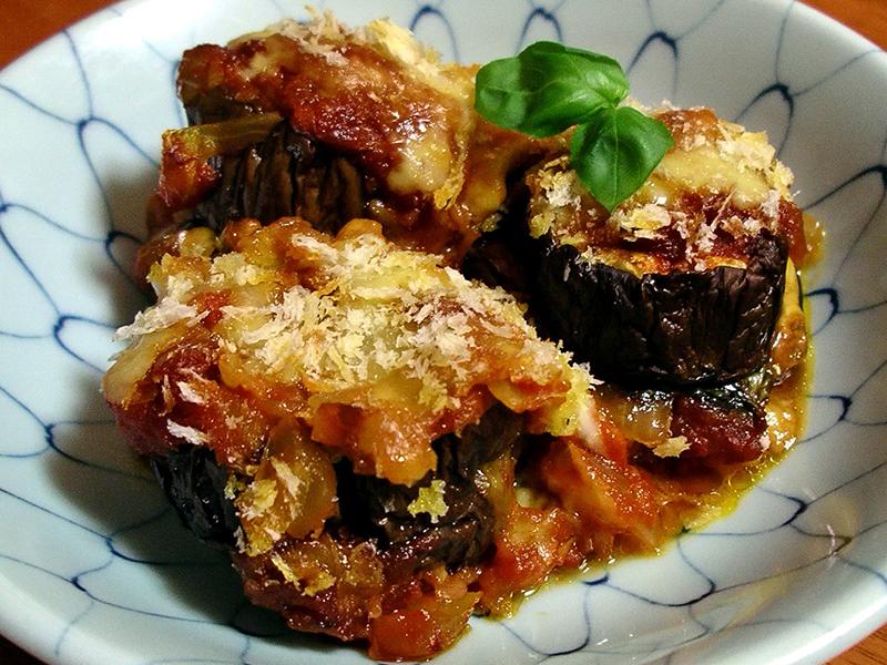Parmigiana-eggplant_Melanzane_alla_Parmigiana