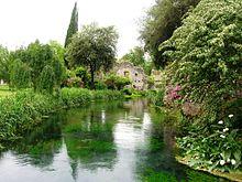 Giardino_di_Ninfa_Garden_medieval