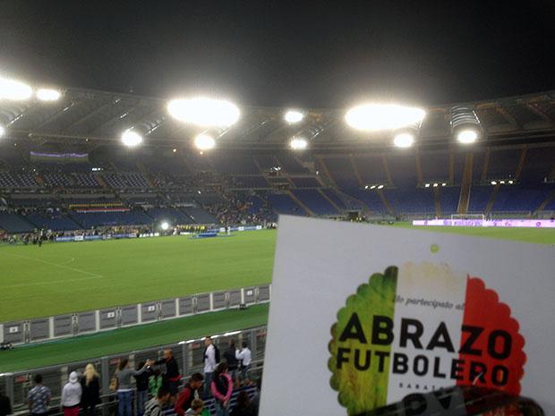 Roma_Stadio_Olimpico_Abrazo-futbolero