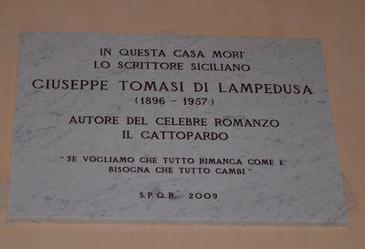 Roma-Giuseppe_Tomasi_di_Lampedusa-Piazza_Indipendenza