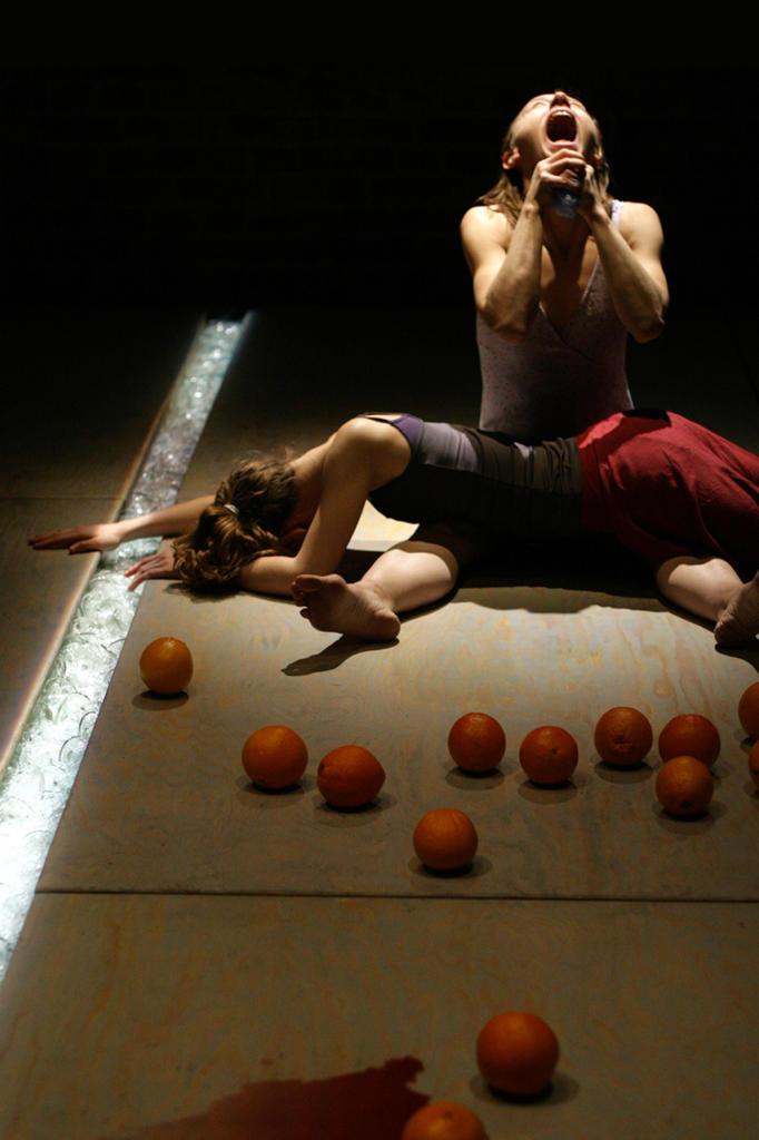 Taglio-Cesareo-Prove-sul-suicidio-di-Teatro-ZAR_foto-Łukasz-Giza