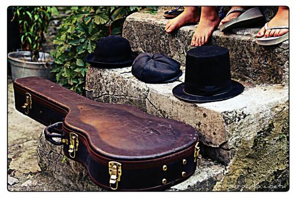 festival Adarte TeatroCineFestival custodia chitarra cappelli