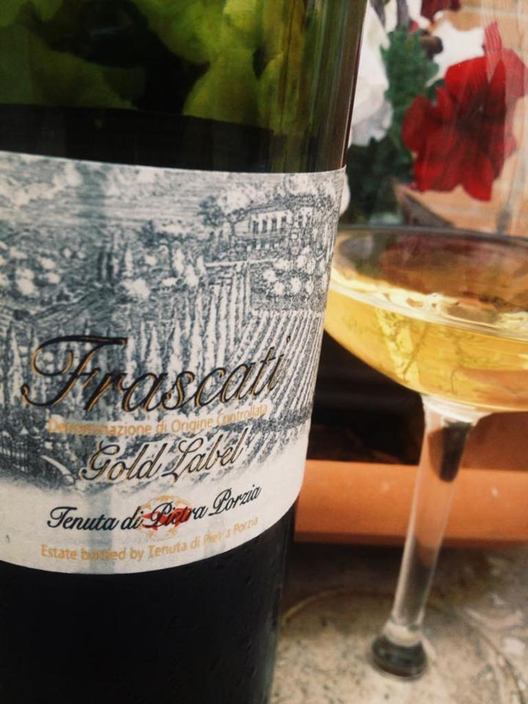 Vino_Wine_Frascati_doc_gold_label_2014_enologo_Michele_Russo  2