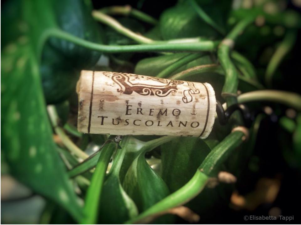 Eremo-Tuscolano_vino-wine_Frascati-Superiore_Lazio_tappo