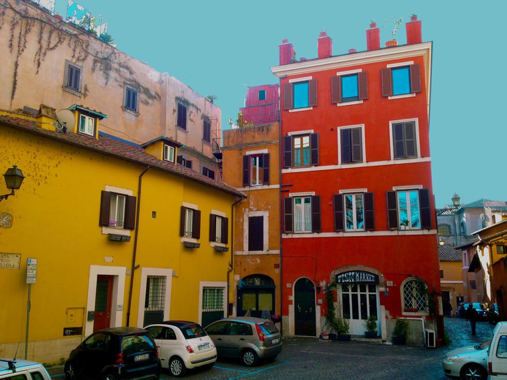 ANGOLI DI TRASTEVERE E RITRATTI DI MANI_Piazza della Gensola_photo-by_igor W Schiaroli_0