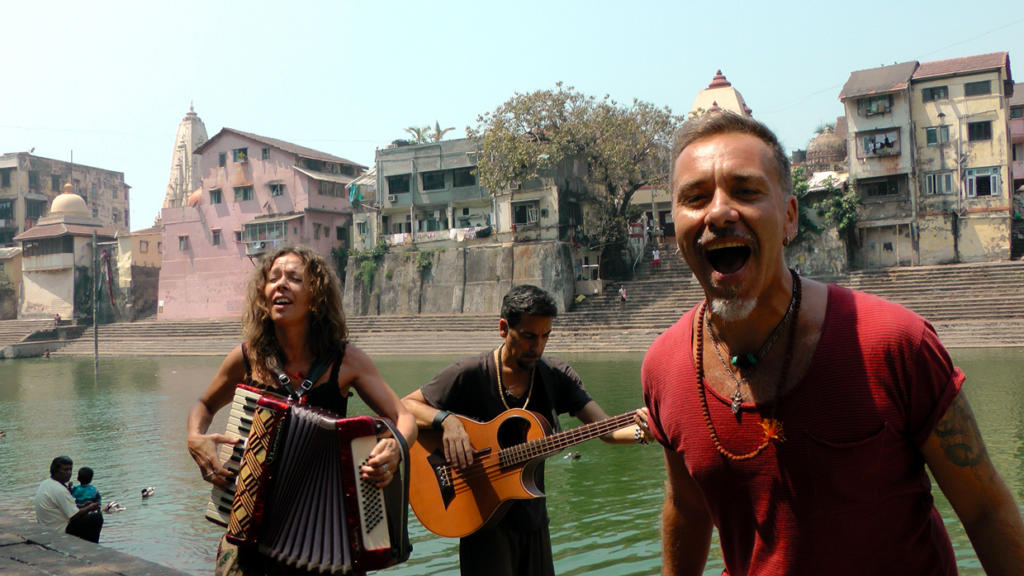 "Mumbai, The making of ""Verso l'India"" videoclip"