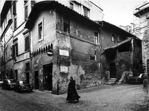 Emilio Gentilini Via della Lungaretta, angolo vicolo della Luce, Roma Fotografia 1971-72