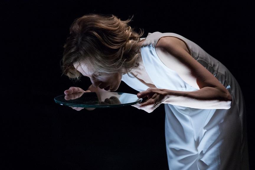 Il ballo_ Sonia Bergamasco