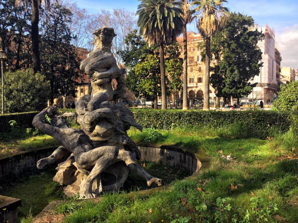 Passeggiate-a-piedi-Roma_Walking-tour-Rome_La-Porta-Magica,Piazza-Vittorio_Mercato-Esquilino_Photoby-Igor-W-Schiaroli_2