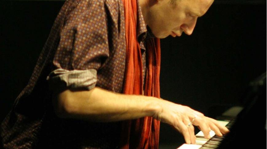 Mani-suona-Piano-Filippo-Gregoretti_pippo-Solo