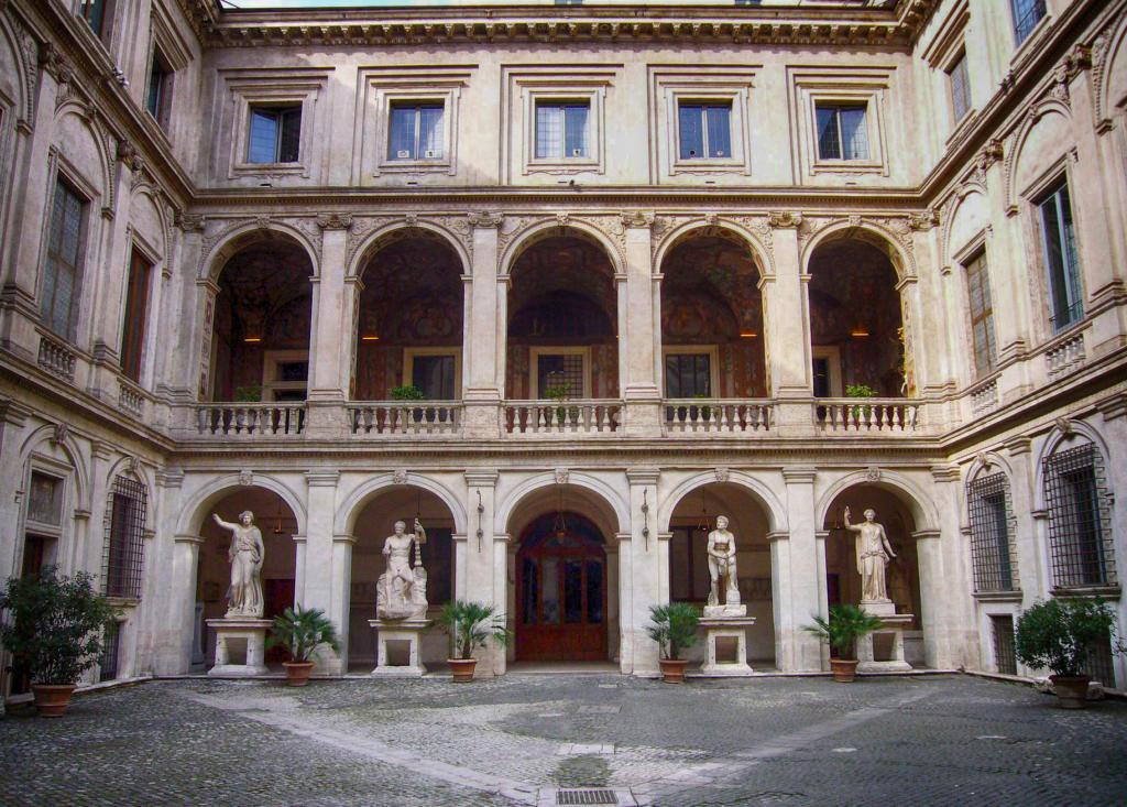Palazzo_Altemps_cortile