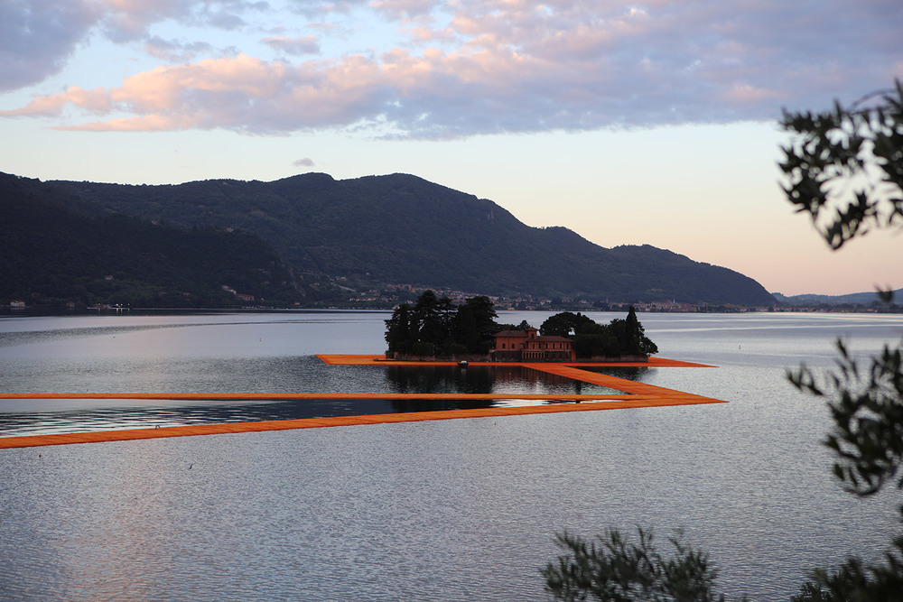Lago-d-Iseo_The-Floating-Piers_Christo_&_Jeanne-Claude_